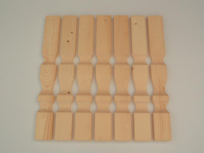 Leseni obdelani ograjni stebrički