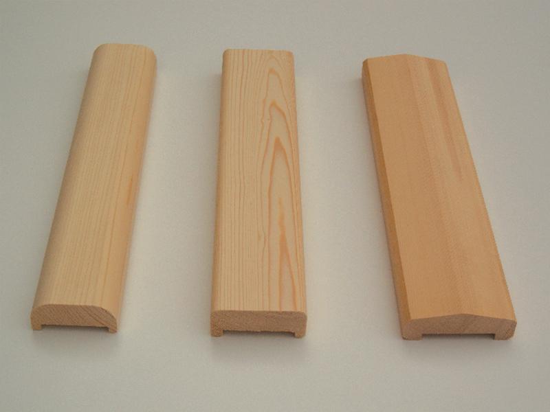 Oblikovani in obdelani leseni pokrivni ročaji za ograje