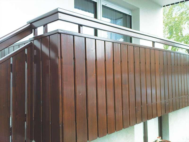 Montaža moderne ograje za balkon