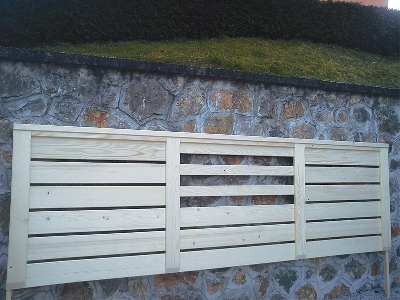 Kombinirana lesena ograja za balkon