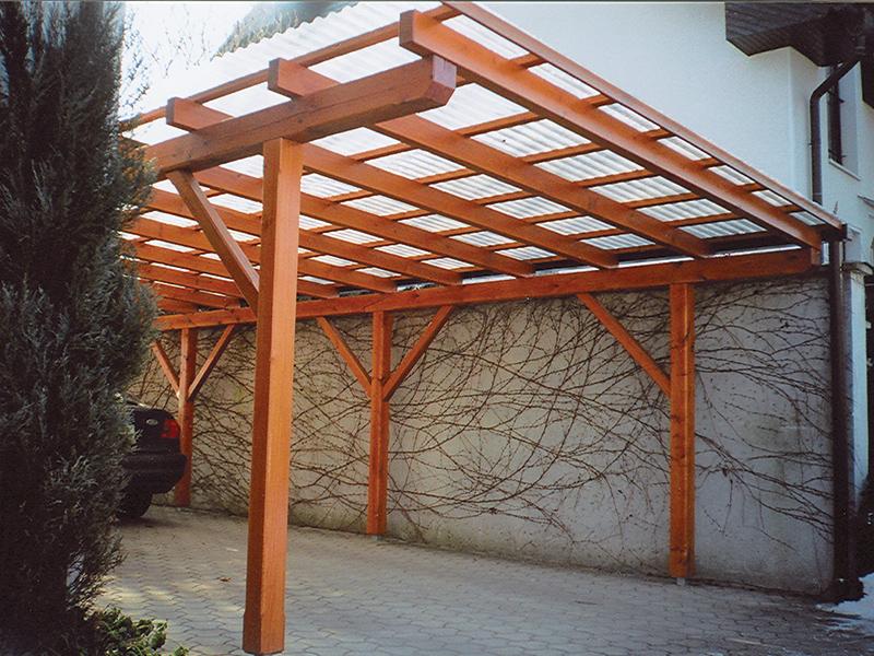 Lesen rjav nadstrešek z ravno streho Mačkovci