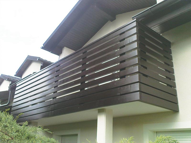 Ravna ograja na balkonu