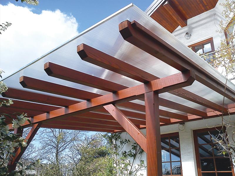 lep lesen nadstrešek s prozorno streho