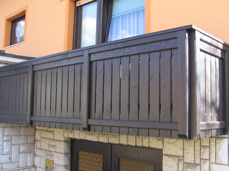 pokončna balkonska ograja trzin 3 in ravnih desk